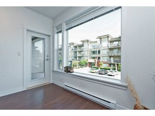 """Photo 3: 202 33539 HOLLAND Avenue in Abbotsford: Central Abbotsford Condo for sale in """"The Crossing - Building B"""" : MLS®# R2517839"""
