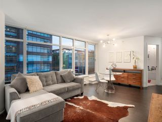 Photo 1: 306 1708 COLUMBIA STREET in Vancouver: False Creek Condo for sale (Vancouver West)  : MLS®# R2341537