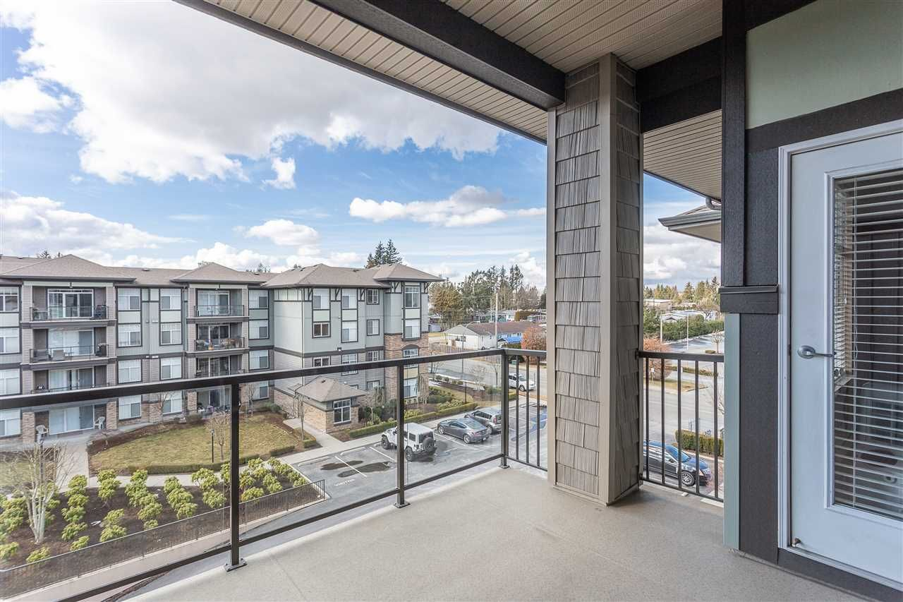 """Photo 18: Photos: 409 33338 MAYFAIR Avenue in Abbotsford: Central Abbotsford Condo for sale in """"The Sterling"""" : MLS®# R2346998"""
