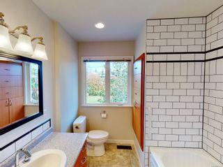 Photo 16: 2162 Allenby St in : OB Henderson House for sale (Oak Bay)  : MLS®# 871196