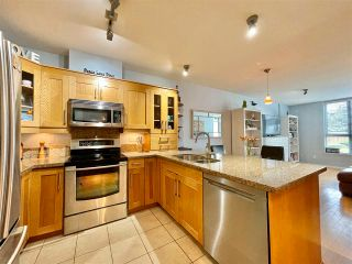 "Photo 19: 210 15777 MARINE Drive: White Rock Condo for sale in ""South Beach"" (South Surrey White Rock)  : MLS®# R2591783"