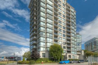 """Photo 14: 806 3333 CORVETTE Way in Richmond: West Cambie Condo for sale in """"Wall Centre at the Marina"""" : MLS®# R2622056"""