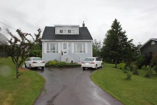 Photo 1: 53 North Street in Springhill: 102S-South Of Hwy 104, Parrsboro and area Residential for sale (Northern Region)  : MLS®# 202115311