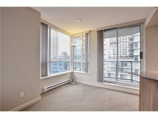 """Photo 15: 808 1212 HOWE Street in Vancouver: Downtown VW Condo for sale in """"1212 HOWE"""" (Vancouver West)  : MLS®# V1103940"""