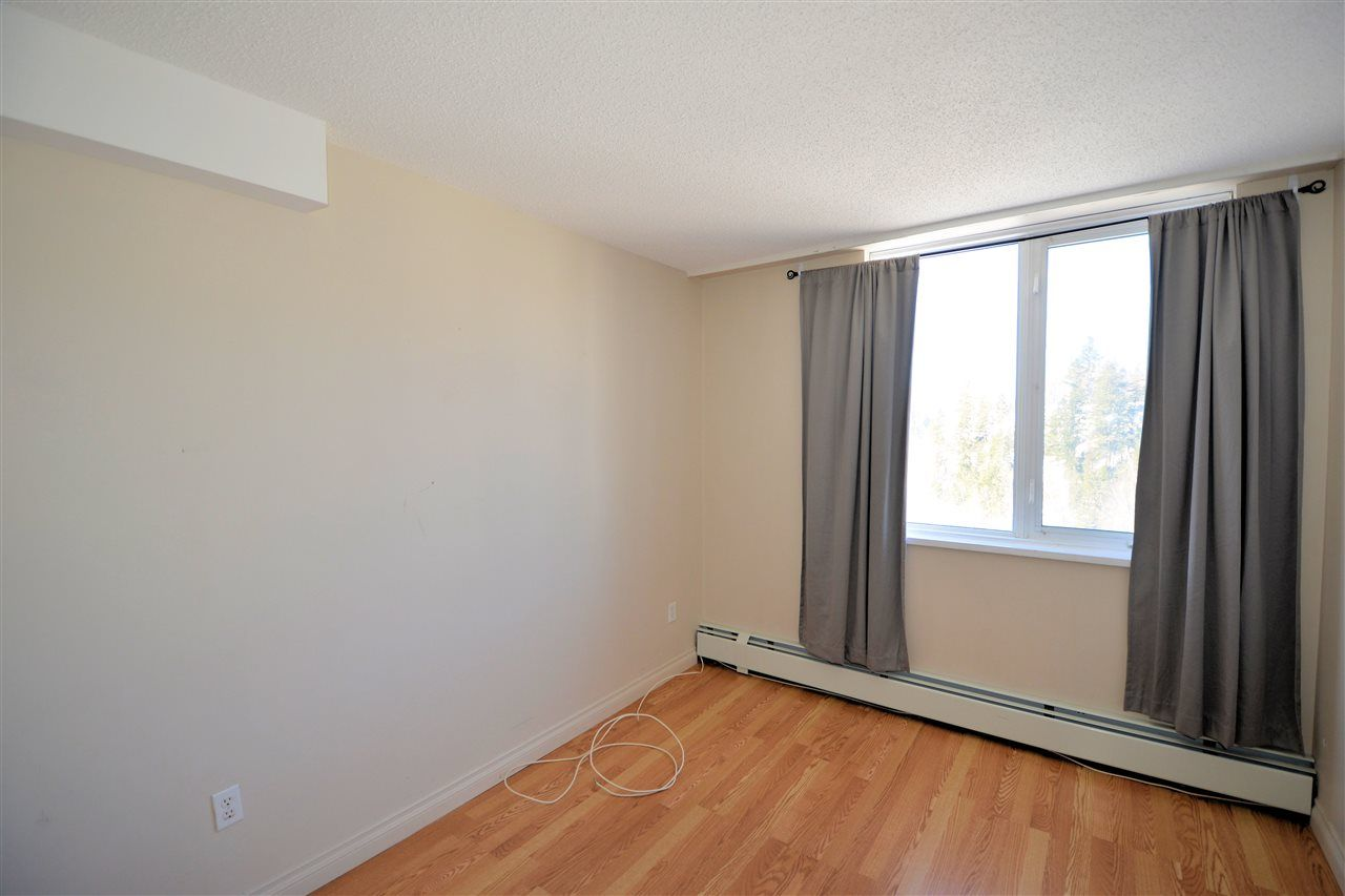 """Photo 8: Photos: 1208 1501 QUEENSWAY Street in Prince George: Connaught Condo for sale in """"CONNAUGHT HILL RESIDENCES"""" (PG City Central (Zone 72))  : MLS®# R2529872"""