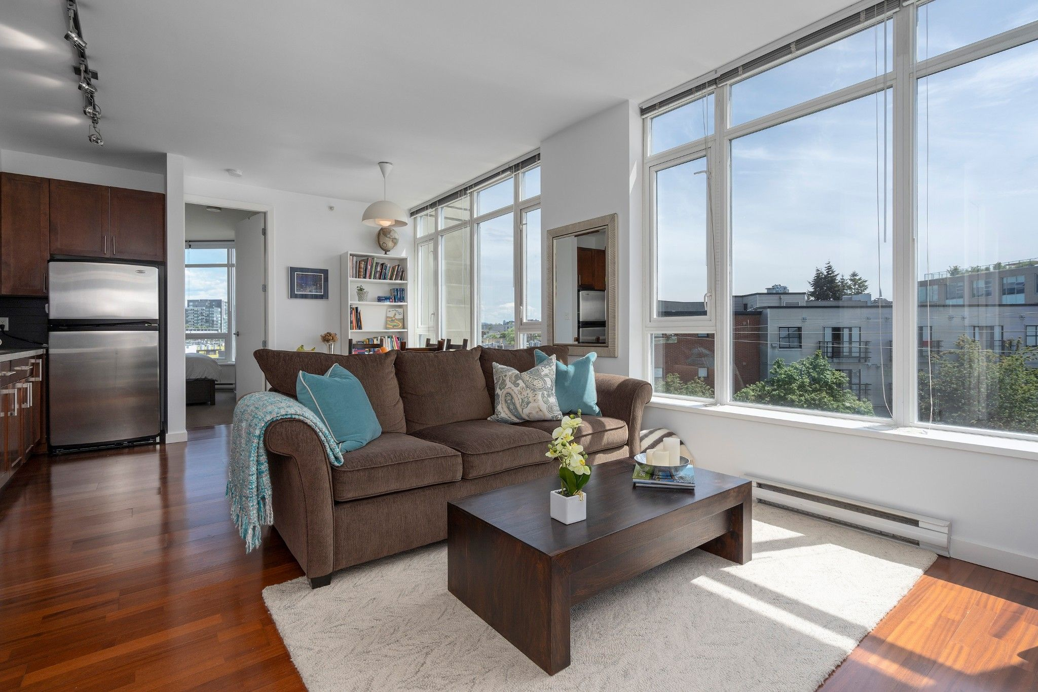 """Main Photo: 413 2055 YUKON Street in Vancouver: False Creek Condo for sale in """"THE MONTREUX"""" (Vancouver West)  : MLS®# R2371441"""