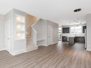 Photo 6: 72 SKYVIEW Circle NE in Calgary: Skyview Ranch Row/Townhouse for sale : MLS®# C4209204