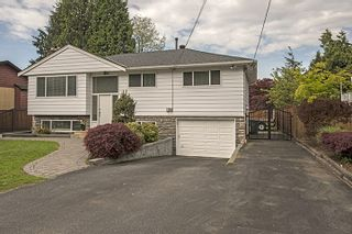 Photo 2: 682 WILMOT Street in Coquitlam: Central Coquitlam House for sale : MLS®# R2062598