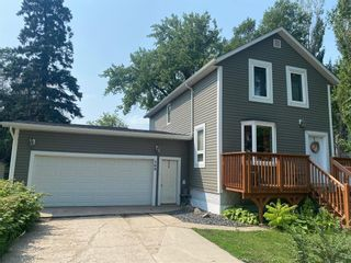 Photo 2: 569 Montcalm Avenue in Gretna: House for sale : MLS®# 202118510