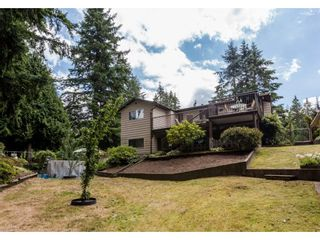 "Photo 2: 19791 40A Avenue in Langley: Brookswood Langley House for sale in ""BROOKSWOOD"" : MLS®# R2095478"