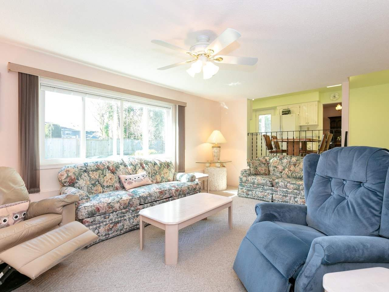 Photo 10: Photos: 1422 GROVER Avenue in Coquitlam: Central Coquitlam House for sale : MLS®# R2568207