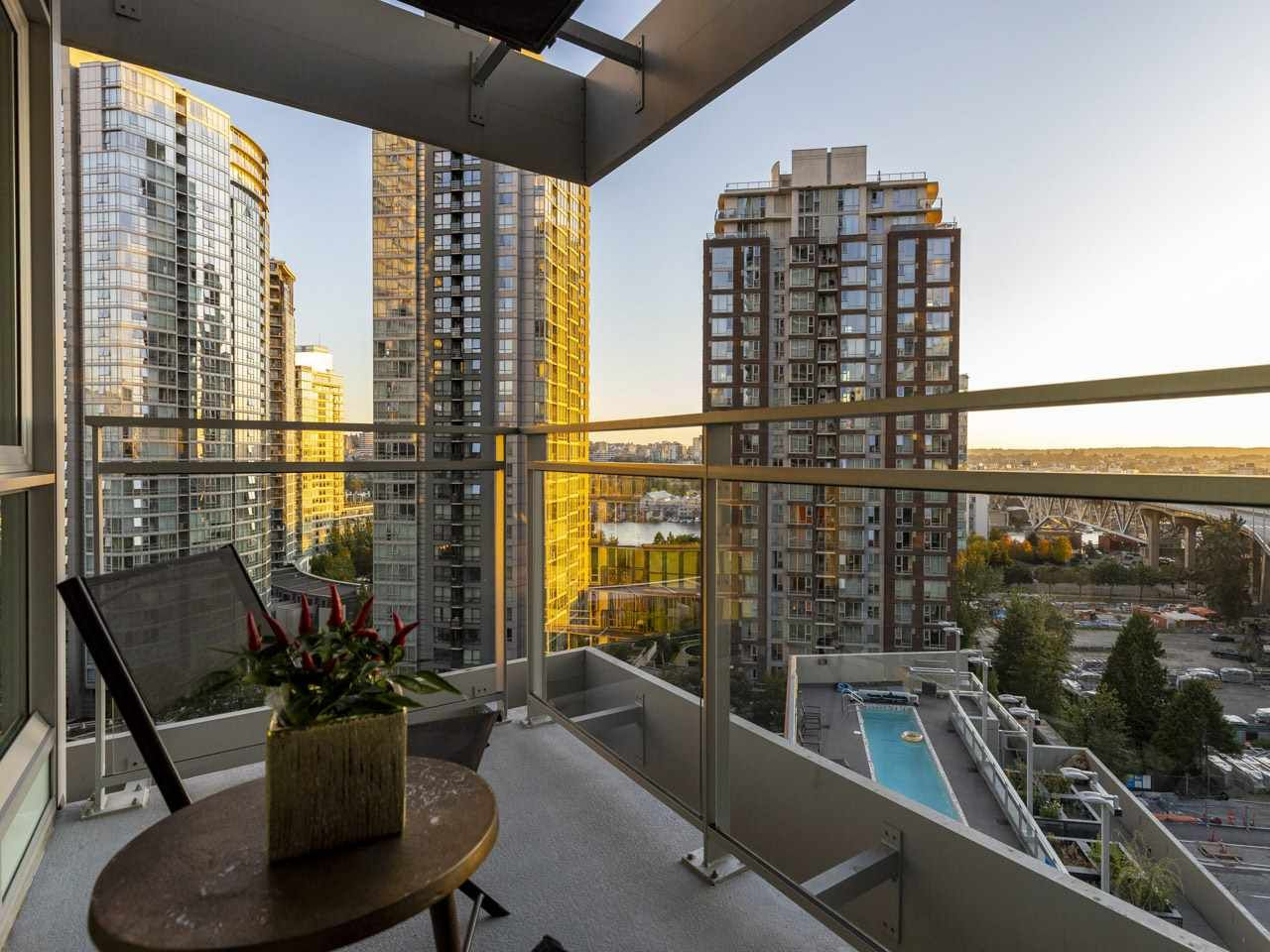 """Main Photo: 1507 1372 SEYMOUR Street in Vancouver: Downtown VW Condo for sale in """"The Mark"""" (Vancouver West)  : MLS®# R2402457"""