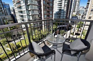 "Photo 13: 903 989 RICHARDS Street in Vancouver: Downtown VW Condo for sale in ""Mondrian 1"" (Vancouver West)  : MLS®# R2095288"