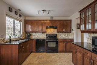 Photo 9: 9476 213 Street in Langley: Walnut Grove House for sale : MLS®# R2551356