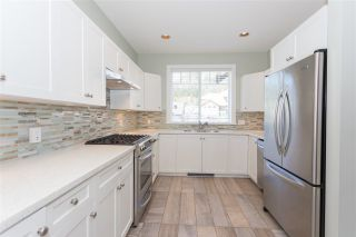 """Photo 3: 1007 BALSAM Place in Squamish: Valleycliffe House for sale in """"RAVENS PLATEAU"""" : MLS®# R2232949"""