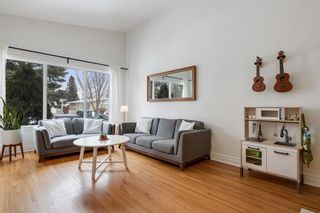 Photo 5: 2721 17 Street NW in Calgary: Capitol Hill Semi Detached for sale : MLS®# A1072987
