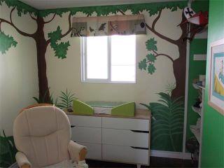 Photo 9: 240 VAN HORNE Crescent NE in Calgary: Vista Heights House for sale : MLS®# C4012124