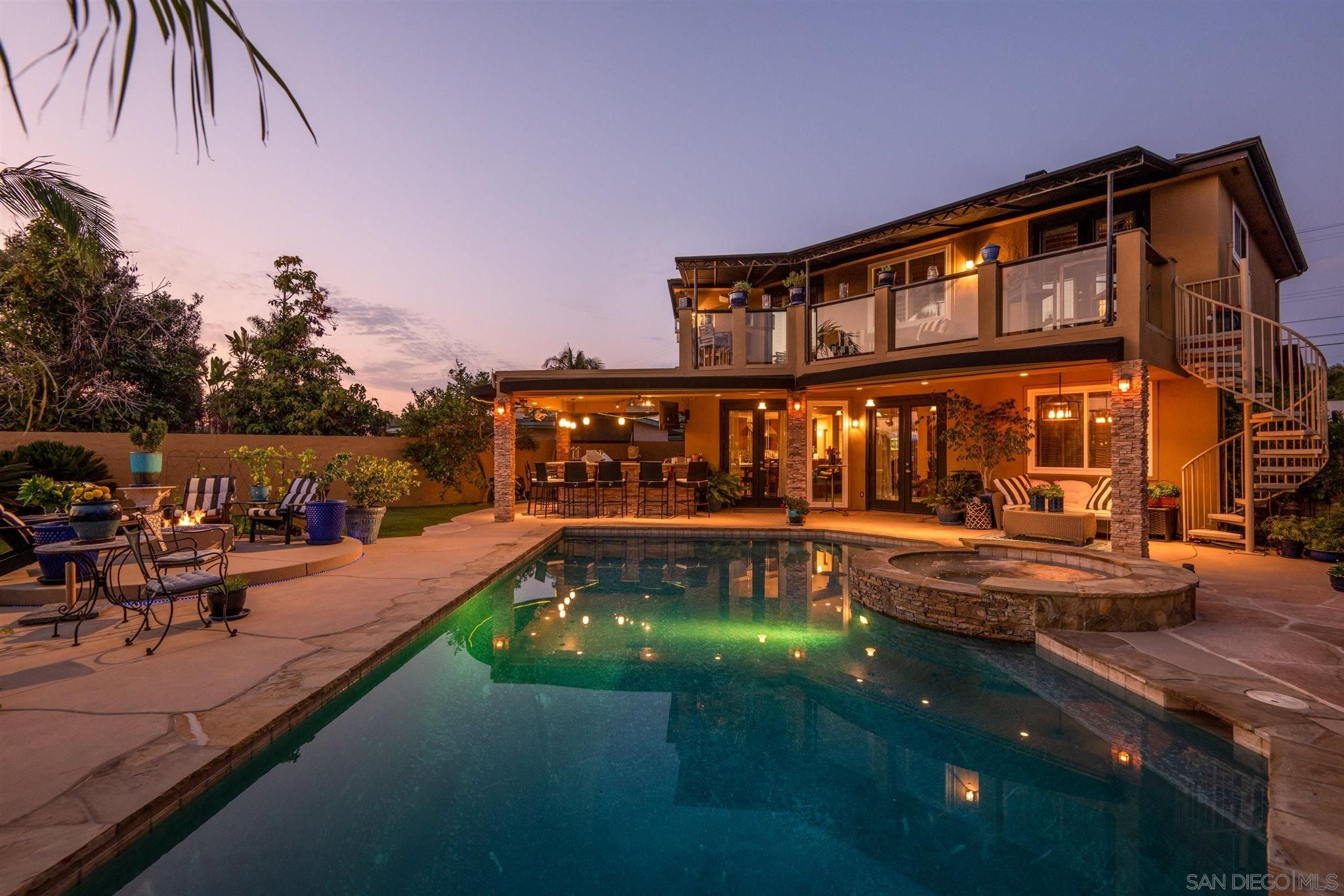 Main Photo: BAY PARK House for sale : 4 bedrooms : 2562 Grandview in San Diego