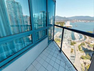 """Photo 8: 1903 1415 W GEORGIA Street in Vancouver: Coal Harbour Condo for sale in """"PALAIS GEORGIA"""" (Vancouver West)  : MLS®# R2589840"""