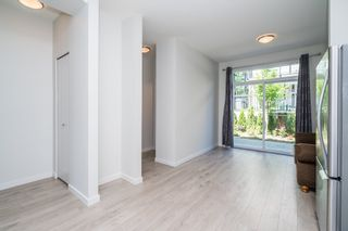 """Photo 15: 100 14555 68 Avenue in Surrey: East Newton Townhouse for sale in """"SYNC"""" : MLS®# R2169561"""