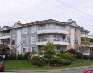 """Photo 2: 303 15875 MARINE DR: White Rock Condo for sale in """"South Port"""" (South Surrey White Rock)  : MLS®# F2610227"""