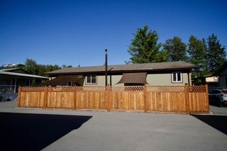 Photo 3: 113 40157 GOVERNMENT Road in Squamish: Garibaldi Highlands Manufactured Home for sale : MLS®# R2591854