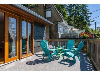 "Photo 3: 2558 BAYVIEW Street in Surrey: Crescent Bch Ocean Pk. House for sale in ""Crescent Beach"" (South Surrey White Rock)  : MLS®# R2436882"