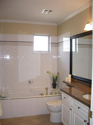 Photo 38: BEAUTIFULLY RENOVATED 3-BR TOWNHOUSE!