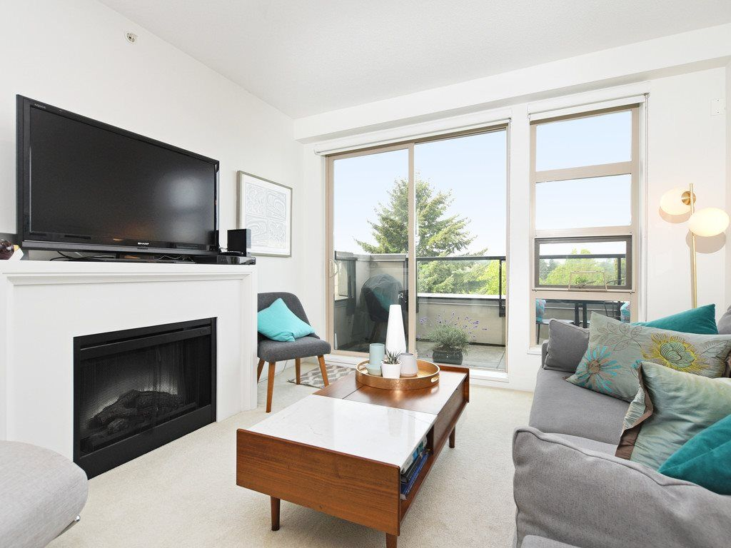 """Main Photo: 406 4550 FRASER Street in Vancouver: Fraser VE Condo for sale in """"Century"""" (Vancouver East)  : MLS®# R2394359"""