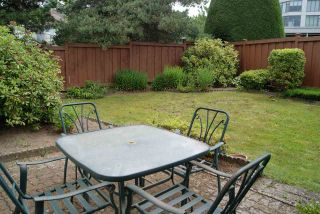 """Photo 27: 104 13888 102 Avenue in Surrey: Whalley Townhouse for sale in """"GLENDALE VILLAGE"""" (North Surrey)  : MLS®# R2590965"""