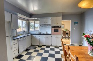 Photo 3: 3231 52 Avenue NW in Calgary: Brentwood Detached for sale : MLS®# A1128463