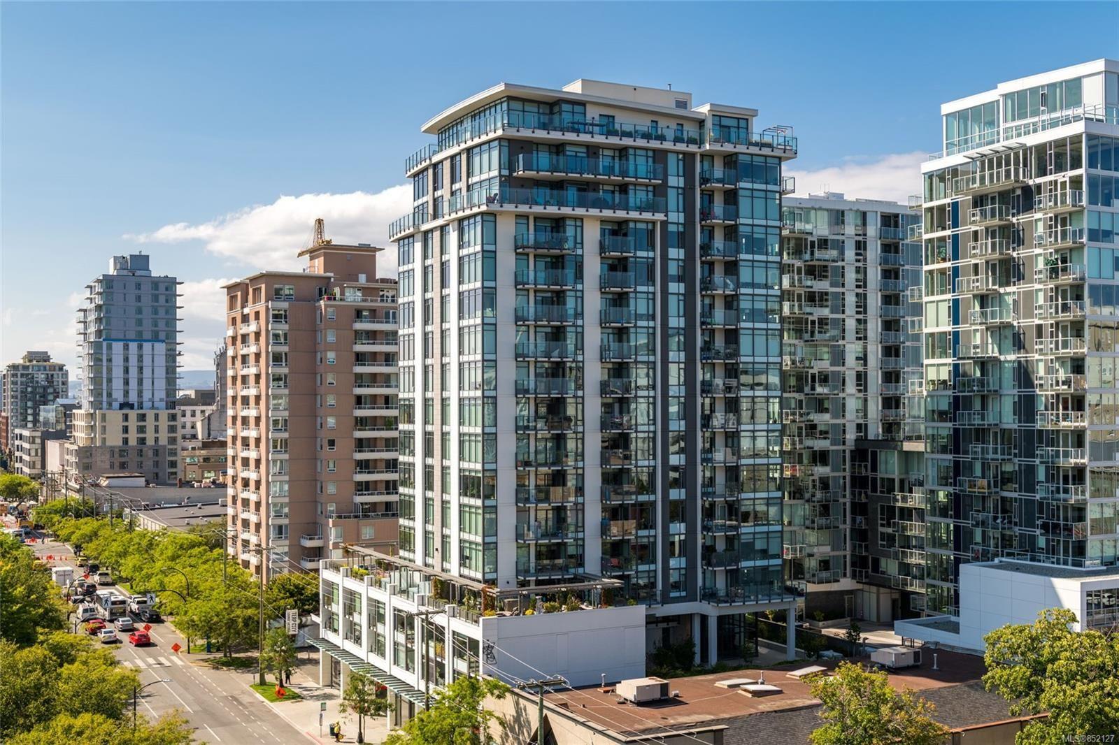 Main Photo: 706 960 Yates St in : Vi Downtown Condo for sale (Victoria)  : MLS®# 852127