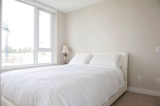 Photo 4: 804 570 EMERSON Street in Coquitlam: Coquitlam West Condo for sale : MLS®# R2399005
