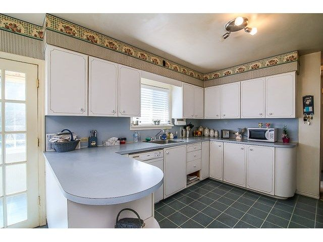 Photo 7: Photos: 7689 DAVIES ST in Burnaby: Edmonds BE House for sale (Burnaby East)  : MLS®# V1139774