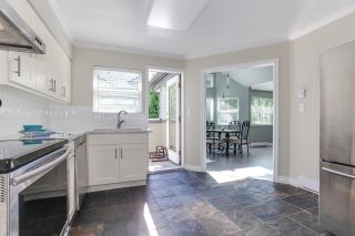 "Photo 2: 314 4885 53 Street in Delta: Hawthorne Condo for sale in ""GREEN GABLES"" (Ladner)  : MLS®# R2210649"