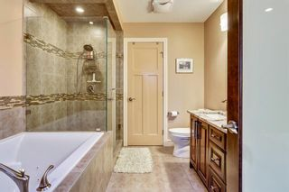 Photo 15: 1110 42 Street SW in Calgary: Rosscarrock Detached for sale : MLS®# A1145307