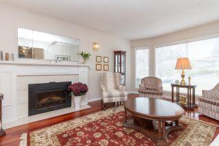 Photo 2: One owner Dean Park Home on Quiet Cul-de-Sac