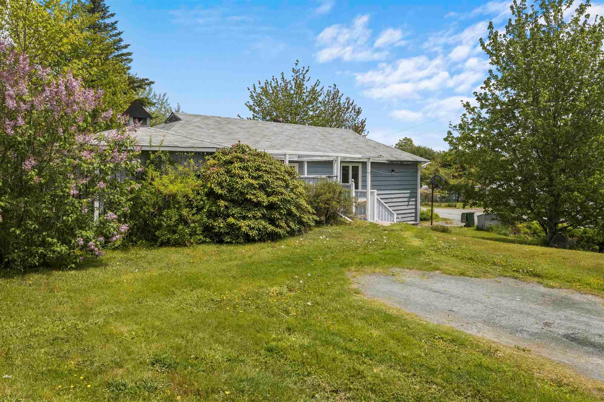 Main Photo: 4355 Highway 7 in Porters Lake: 31-Lawrencetown, Lake Echo, Porters Lake Residential for sale (Halifax-Dartmouth)  : MLS®# 202114332