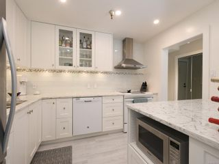 Photo 3: 207 75 W Gorge Rd in : SW Gorge Condo for sale (Saanich West)  : MLS®# 858739
