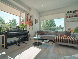 """Photo 5: 101 321 E 16TH Avenue in Vancouver: Mount Pleasant VE Townhouse for sale in """"ARNE"""" (Vancouver East)  : MLS®# R2467350"""