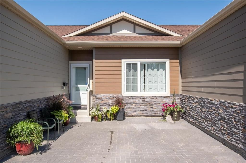 Photo 22: Photos: 2 80 Sandrington Drive in Winnipeg: Condominium for sale (2E)  : MLS®# 202021038