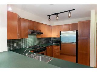 """Photo 4: 302 2161 W 12TH Avenue in Vancouver: Kitsilano Condo for sale in """"CARLINGS"""" (Vancouver West)  : MLS®# V909987"""