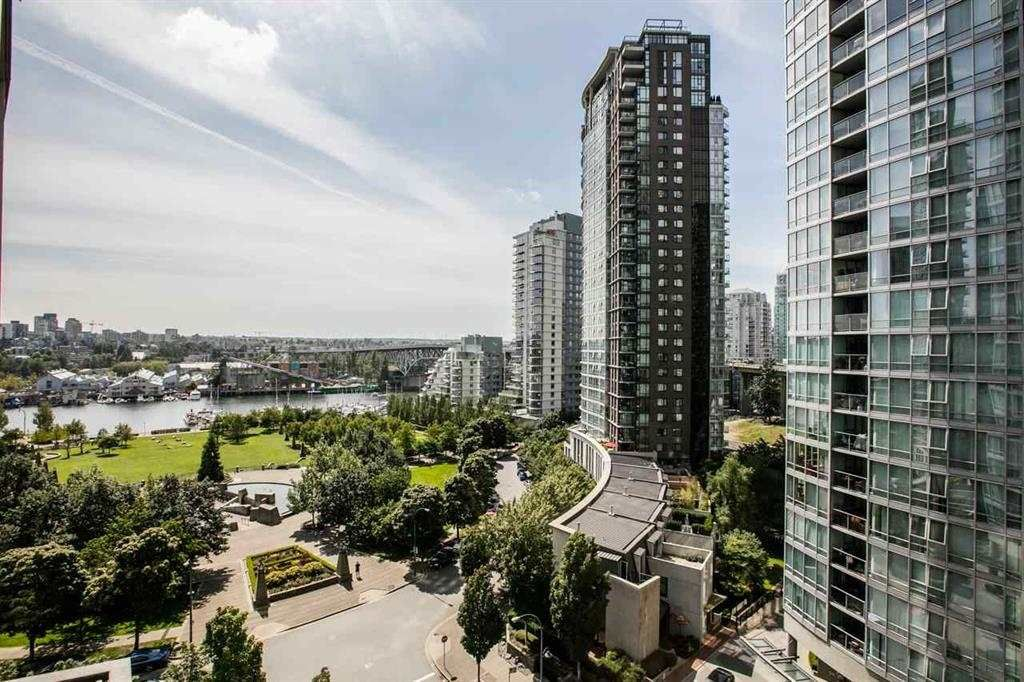 "Main Photo: 1105 1438 RICHARDS Street in Vancouver: Yaletown Condo for sale in ""AZURA 1"" (Vancouver West)  : MLS®# R2109141"