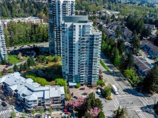 Photo 3: 907 295 GUILDFORD Way in Port Moody: North Shore Pt Moody Condo for sale : MLS®# R2571623