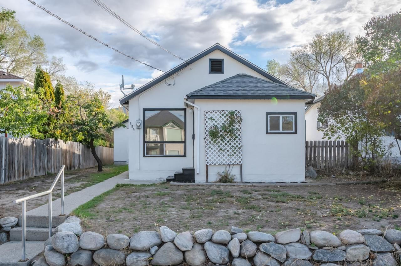 Main Photo: 654 HAYWOOD Street, in Penticton: House for sale : MLS®# 191604