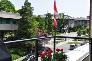 Photo 13: 306 2577 WILLOW STREET in : Fairview VW Condo for sale (Vancouver West)  : MLS®# V990400