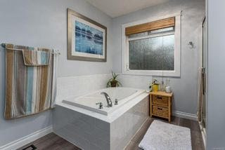 Photo 32: 2457 Stirling Cres in Courtenay: CV Courtenay East House for sale (Comox Valley)  : MLS®# 888293