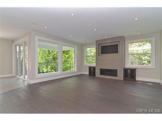 Photo 8: 111 Parsons Rd in VICTORIA: VR Six Mile House for sale (View Royal)  : MLS®# 684415
