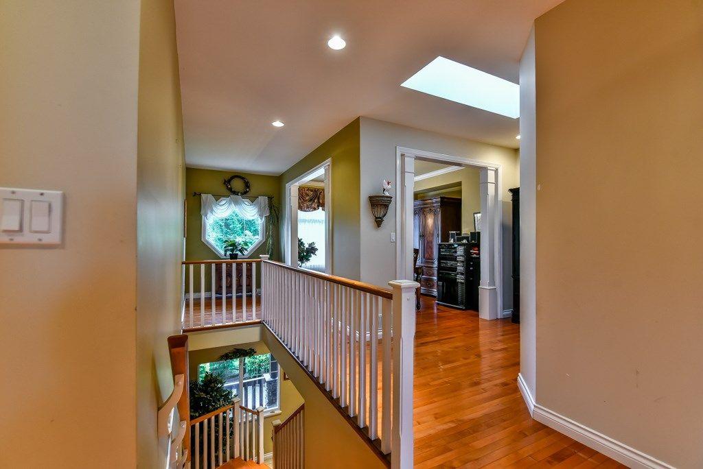 Photo 2: Photos: 12193 201 Street in Maple Ridge: Northwest Maple Ridge House for sale : MLS®# R2072320