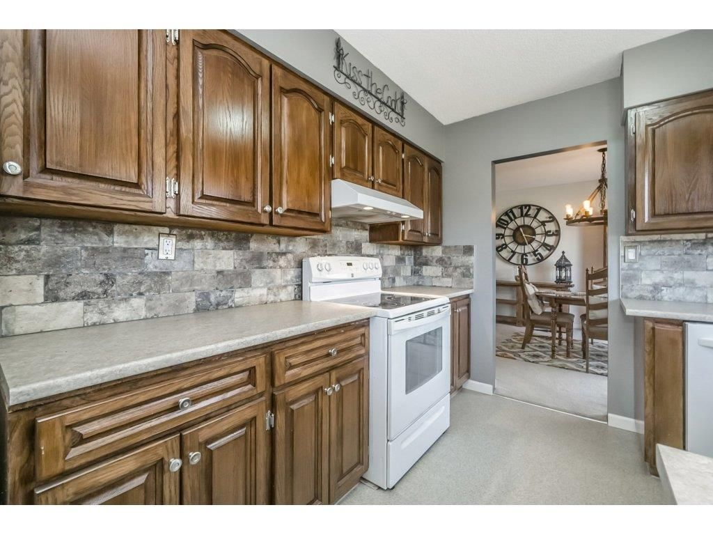 Photo 10: Photos: 6474 196 Street in Langley: Willoughby Heights House for sale : MLS®# R2239174